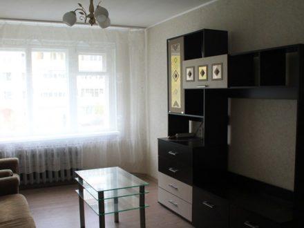 Сдам посуточно двухкомнатную квартиру на 2-м этаже 5-этажного дома площадью 40 кв. м. в Кирове