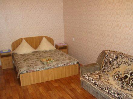 Сдам посуточно однокомнатную квартиру на 4-м этаже 9-этажного дома площадью 34 кв. м. в Астрахани