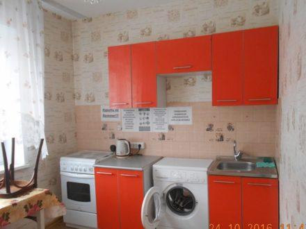Сдам посуточно однокомнатную квартиру на 2-м этаже 9-этажного дома площадью 34 кв. м. в Горно-Алтайске