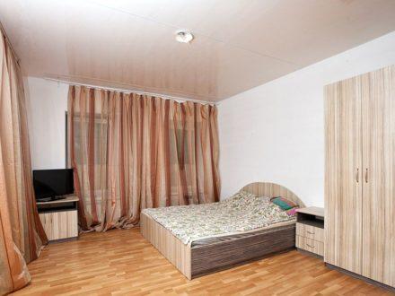 Сдам посуточно однокомнатную квартиру на 2-м этаже 3-этажного дома площадью 30 кв. м. в Калуге