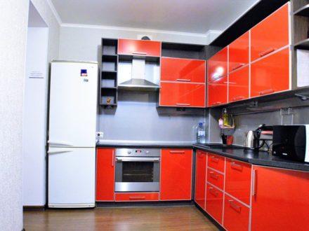 Сдам посуточно однокомнатную квартиру на 6-м этаже 10-этажного дома площадью 40 кв. м. в Сыктывкаре