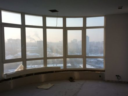 Продам четырехкомнатную квартиру на 16-м этаже 25-этажного дома площадью 108 кв. м. в Перми