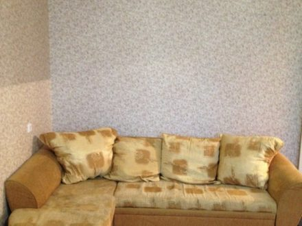 Сдам на длительный срок однокомнатную квартиру на 8-м этаже 8-этажного дома площадью 43 кв. м. в Воронеже