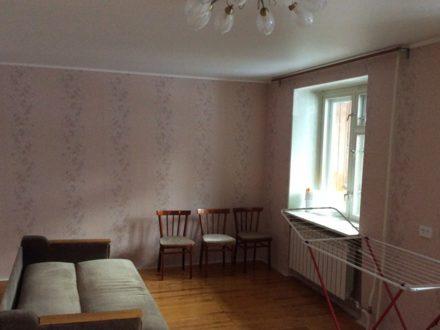 Продам трехкомнатную квартиру на 1-м этаже 5-этажного дома площадью 77,4 кв. м. в Йошкар-Оле