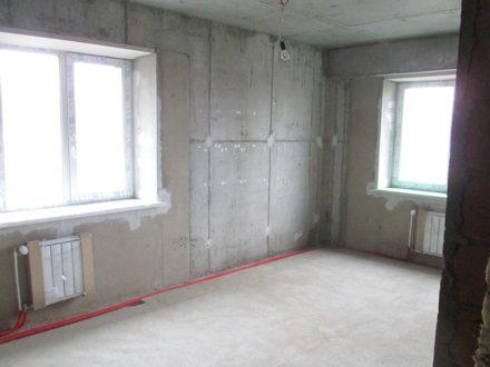 Продам трехкомнатную квартиру на 1-м этаже 17-этажного дома площадью 92 кв. м. в Иркутске