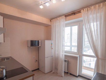 Сдам посуточно однокомнатную квартиру на 7-м этаже 9-этажного дома площадью 40 кв. м. в Южно-Сахалинске