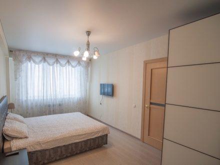 Сдам посуточно однокомнатную квартиру на 6-м этаже 9-этажного дома площадью 40 кв. м. в Южно-Сахалинске
