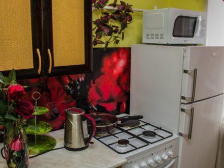 Сдам посуточно двухкомнатную квартиру на 4-м этаже 4-этажного дома площадью 62 кв. м. в Кызыле