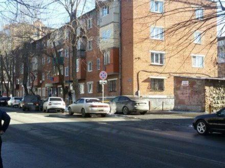 Продам однокомнатную квартиру на 3-м этаже 3-этажного дома площадью 33 кв. м. в Владикавказе