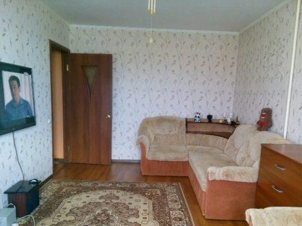 Продам двухкомнатную квартиру на 1-м этаже 5-этажного дома площадью 43 кв. м. в Кургане