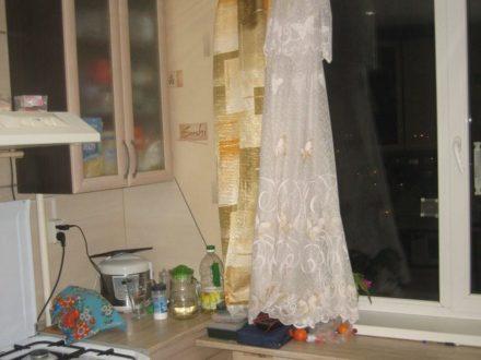 Продам двухкомнатную квартиру на 8-м этаже 8-этажного дома площадью 50 кв. м. в Пскове