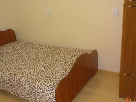 Сдам на длительный срок однокомнатную квартиру на 3-м этаже 9-этажного дома площадью 35 кв. м. в Сыктывкаре