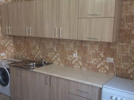 Сдам на длительный срок двухкомнатную квартиру на 13-м этаже 15-этажного дома площадью 60 кв. м. в Ставрополе