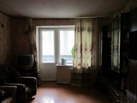 Продам трехкомнатную квартиру на 2-м этаже 5-этажного дома площадью 60 кв. м. в Смоленске