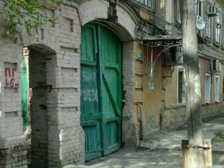Продам однокомнатную квартиру на 2-м этаже 2-этажного дома площадью 40 кв. м. в Астрахани