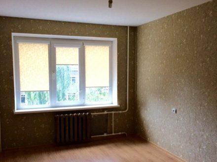 Продам четырехкомнатную квартиру на 4-м этаже 9-этажного дома площадью 85 кв. м. в Уфе