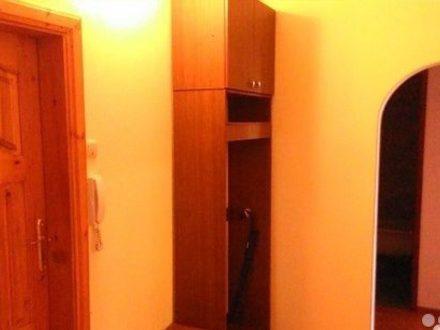 Сдам посуточно двухкомнатную квартиру на 4-м этаже 5-этажного дома площадью 50 кв. м. в Нарьян-Маре