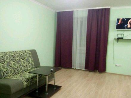 Сдам на длительный срок студию на 8-м этаже 10-этажного дома площадью 38 кв. м. в Самаре