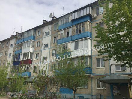 Продам двухкомнатную квартиру на 3-м этаже 5-этажного дома площадью 54 кв. м. в Оренбурге