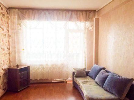 Сдам посуточно двухкомнатную квартиру на 9-м этаже 12-этажного дома площадью 35 кв. м. в Улан-Удэ