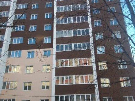 Сдам посуточно однокомнатную квартиру на 3-м этаже 10-этажного дома площадью 35 кв. м. в Рязани