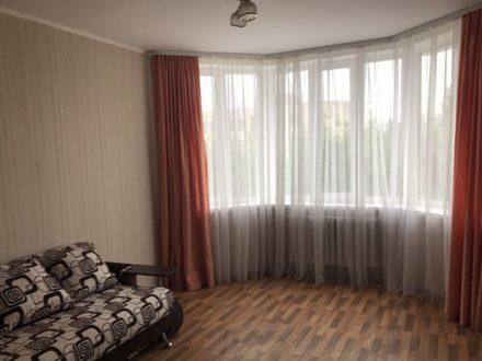 Сдам на длительный срок однокомнатную квартиру на 3-м этаже 10-этажного дома площадью 36 кв. м. в Липецке