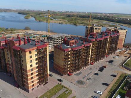 Продам двухкомнатную квартиру на 8-м этаже 8-этажного дома площадью 77 кв. м. в Пскове