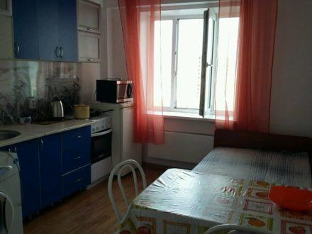 Сдам посуточно однокомнатную квартиру на 8-м этаже 9-этажного дома площадью 42 кв. м. в Улан-Удэ