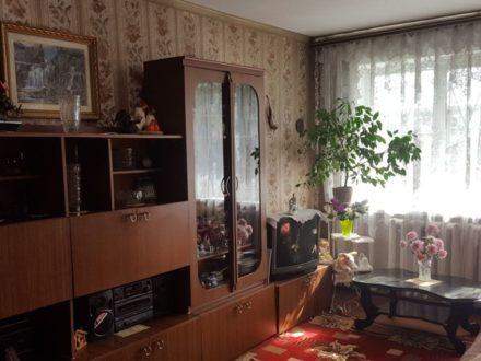 Продам двухкомнатную квартиру на 1-м этаже 5-этажного дома площадью 44 кв. м. в Южно-Сахалинске