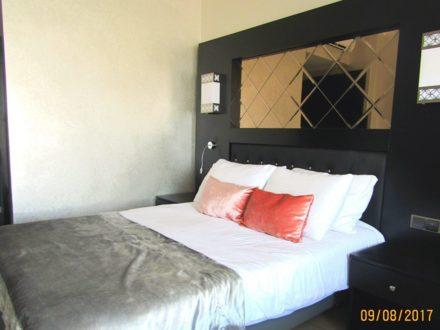 Сдам посуточно однокомнатную квартиру на 8-м этаже 12-этажного дома площадью 26 кв. м. в Кургане