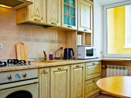 Сдам посуточно двухкомнатную квартиру на 9-м этаже 10-этажного дома площадью 60 кв. м. в Ростове-на-Дону