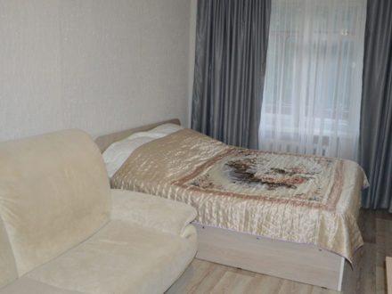 Сдам посуточно двухкомнатную квартиру на 4-м этаже 5-этажного дома площадью 56 кв. м. в Саранске