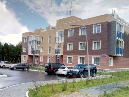 Продам двухкомнатную квартиру на 2-м этаже 3-этажного дома площадью 75,8 кв. м. в Ханты-Мансийске