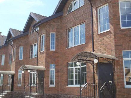 Продам пятикомнатную квартиру на 1-м этаже 3-этажного дома площадью 280 кв. м. в Калуге