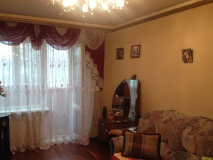 Продам однокомнатную квартиру на 3-м этаже 5-этажного дома площадью 33 кв. м. в Южно-Сахалинске