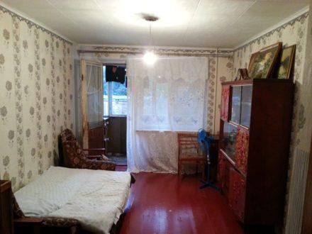 Продам трехкомнатную квартиру на 2-м этаже 5-этажного дома площадью 54 кв. м. в Майкопе