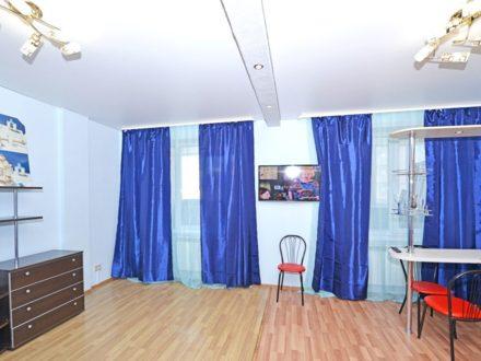 Сдам посуточно студию на 9-м этаже 19-этажного дома площадью 42 кв. м. в Новосибирске
