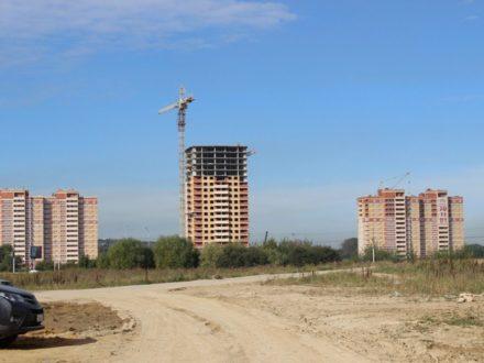 Продам трехкомнатную квартиру на 3-м этаже 22-этажного дома площадью 81 кв. м. в Туле