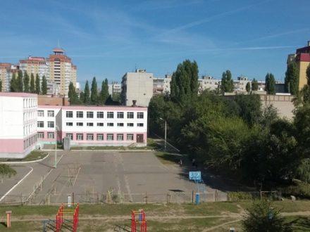 Продам трехкомнатную квартиру на 5-м этаже 9-этажного дома площадью 65 кв. м. в Воронеже