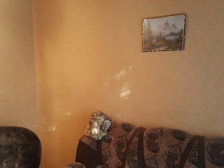 Продам двухкомнатную квартиру на 1-м этаже 5-этажного дома площадью 36 кв. м. в Смоленске