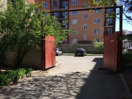 Продам двухкомнатную квартиру на 1-м этаже 5-этажного дома площадью 54,5 кв. м. в Владикавказе