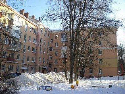 Продам двухкомнатную квартиру на 5-м этаже 5-этажного дома площадью 52 кв. м. в Ярославле