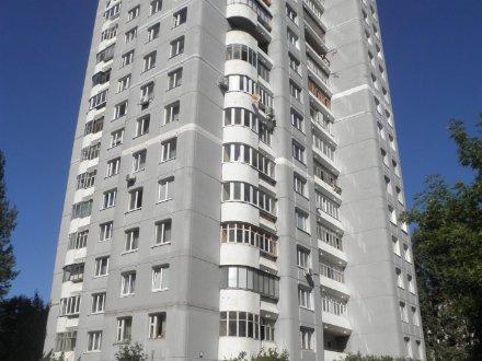 Продам четырехкомнатную квартиру на 15-м этаже 18-этажного дома площадью 88 кв. м. в Ульяновске