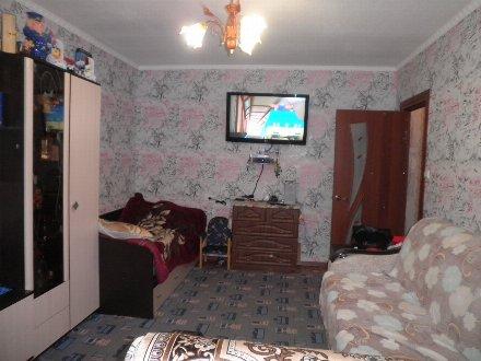 Продам однокомнатную квартиру на 3-м этаже 5-этажного дома площадью 36 кв. м. в Ульяновске