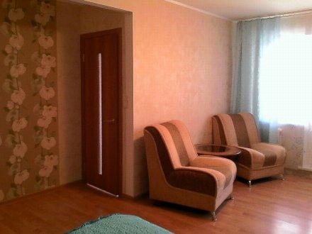 Сдам посуточно двухкомнатную квартиру на 3-м этаже 5-этажного дома площадью 45 кв. м. в Уфе