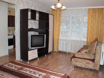 Сдам посуточно однокомнатную квартиру на 1-м этаже 5-этажного дома площадью 32 кв. м. в Уфе