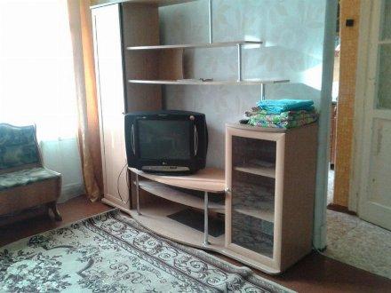 Сдам посуточно однокомнатную квартиру на 1-м этаже 5-этажного дома площадью 28 кв. м. в Уфе