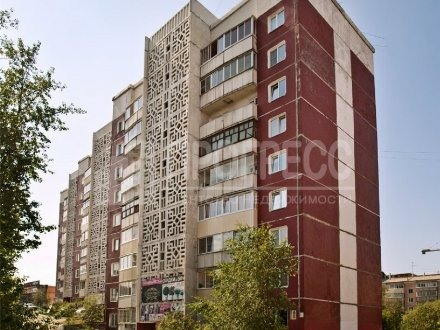 Продам двухкомнатную квартиру на 9-м этаже 9-этажного дома площадью 49 кв. м. в Улан-Удэ