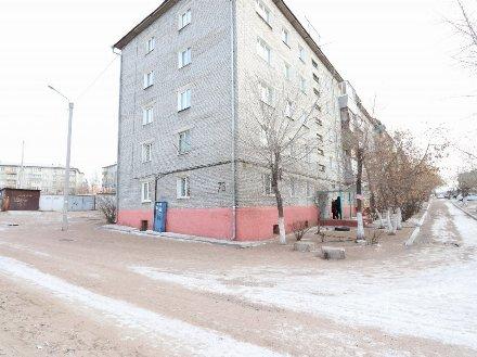 Продам четырехкомнатную квартиру на 2-м этаже 5-этажного дома площадью 109 кв. м. в Улан-Удэ