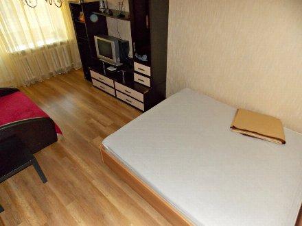 Сдам посуточно однокомнатную квартиру на 3-м этаже 5-этажного дома площадью 31 кв. м. в Смоленске